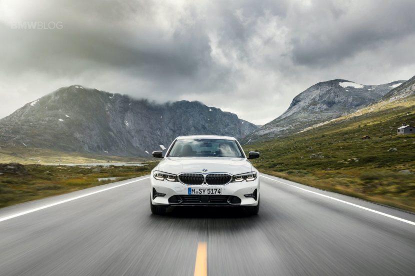 2019 BMW 330i Sport Line 05 830x553