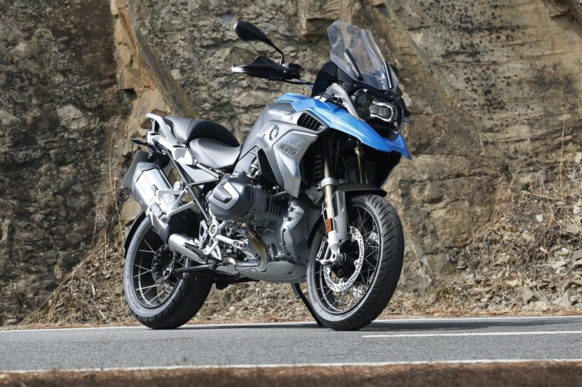 BMW R 1250 GS and BMW R 1250 RT 155 830x553