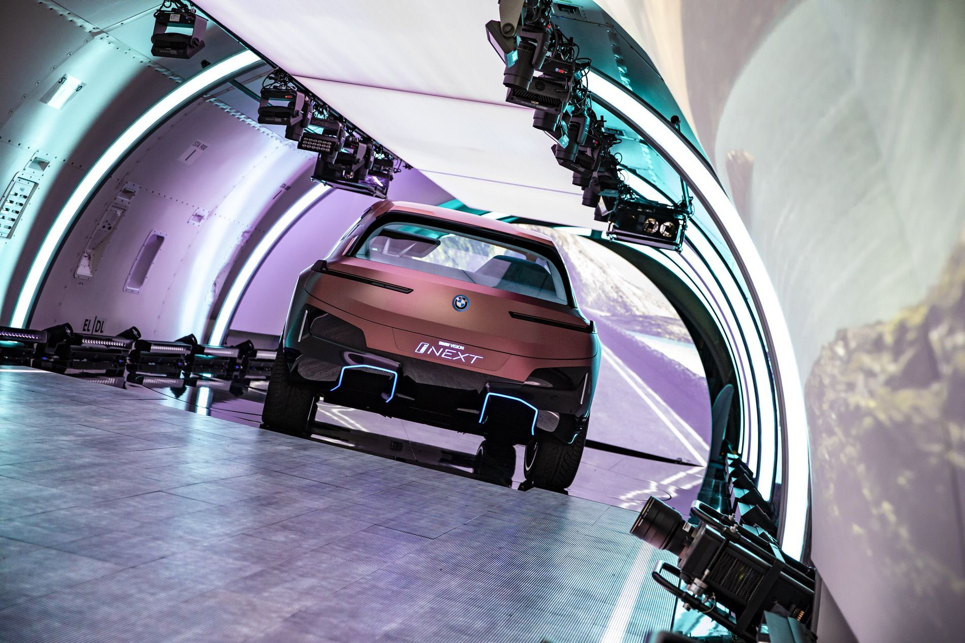 BMW VISION INEXT LAUNCH 01