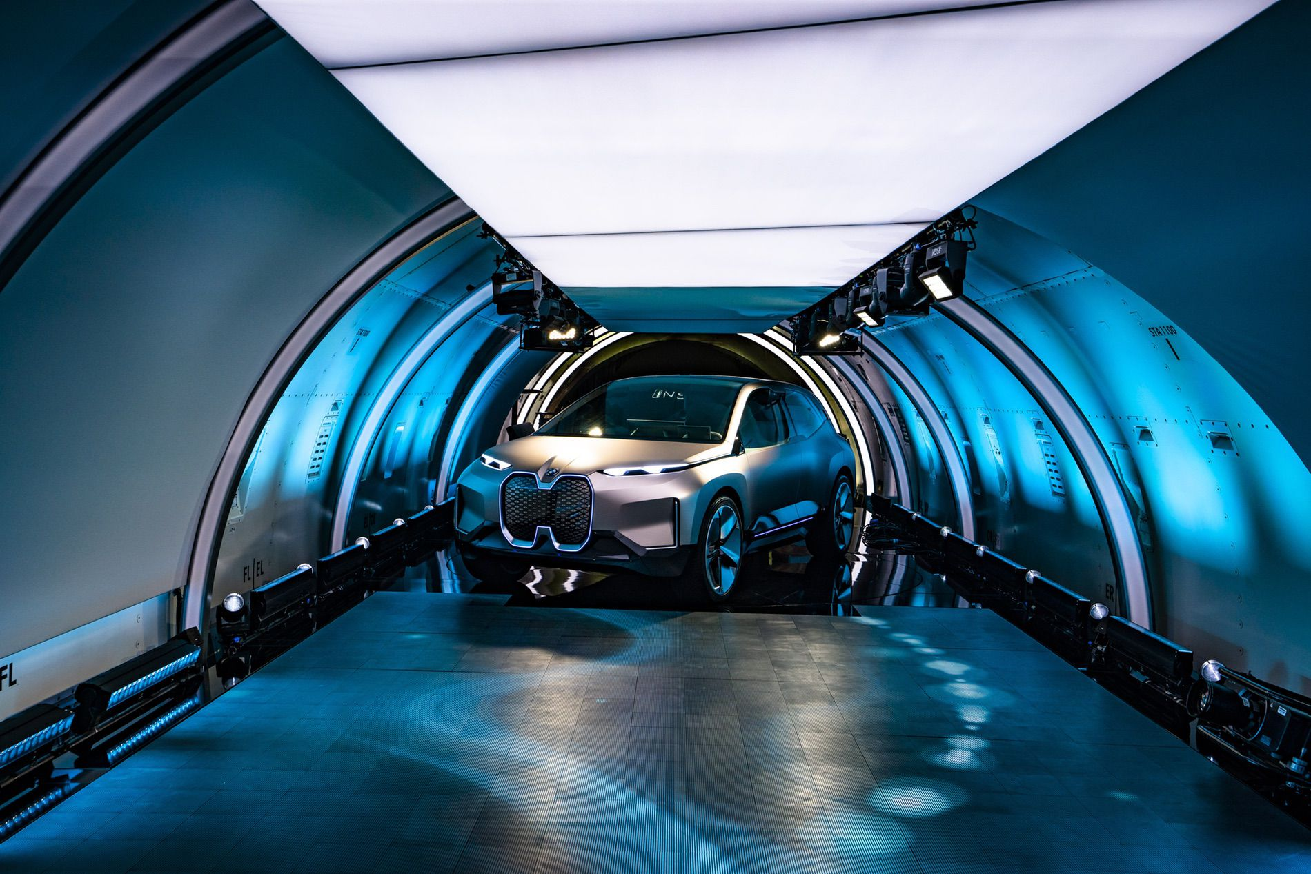 BMW VISION INEXT LAUNCH 14