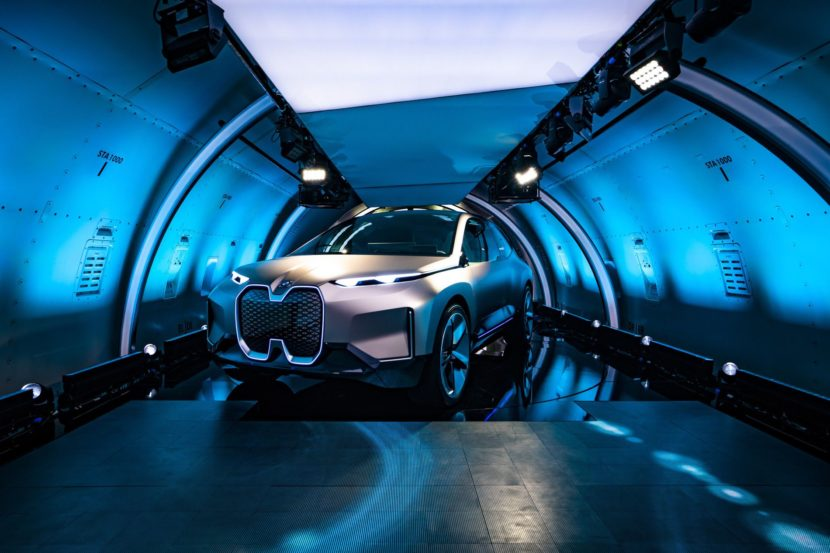 BMW VISION INEXT LAUNCH 17 830x553