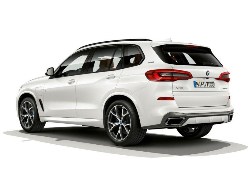 BMW X5 xDrive45e 4 830x622