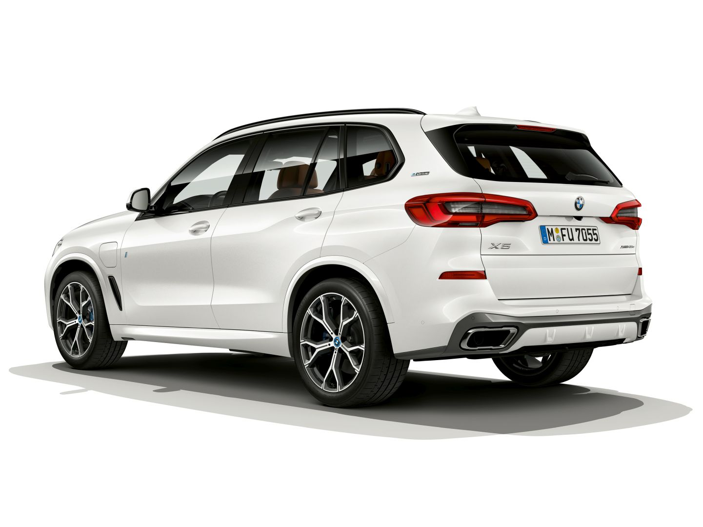 The new BMW X5 xDrive45e will arrive in the United States in 2020