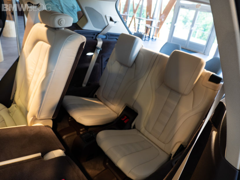 new BMW X5 third row 7 seats 12 830x623