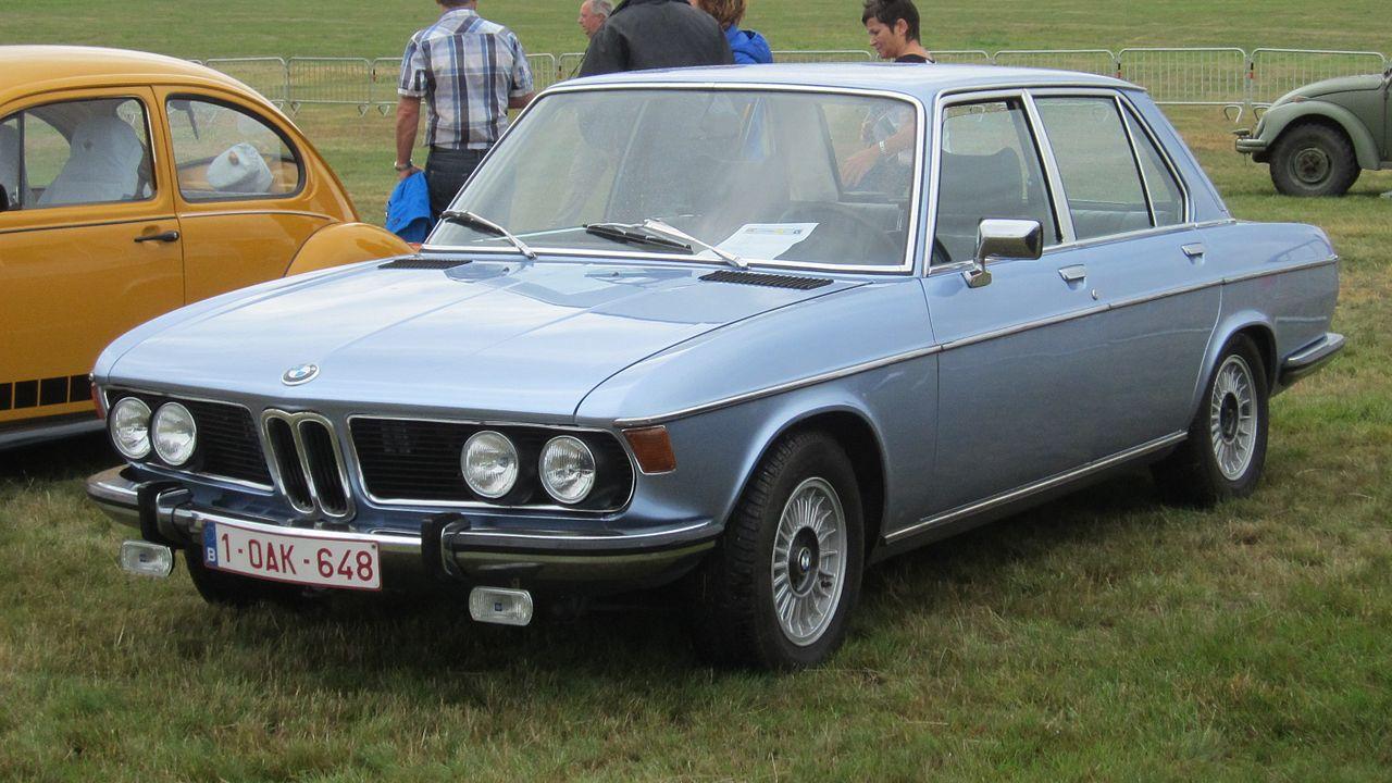 1280px BMW 2800 at Schaffen Diest 2013