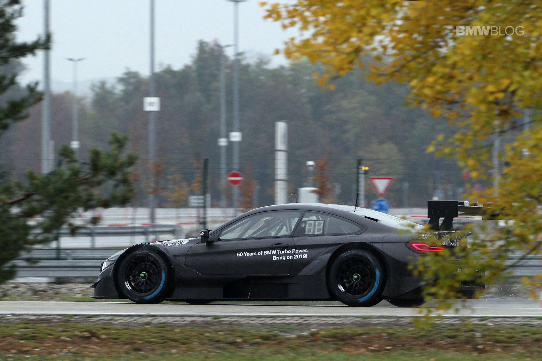2019 BMW M4 DTM two liter 03