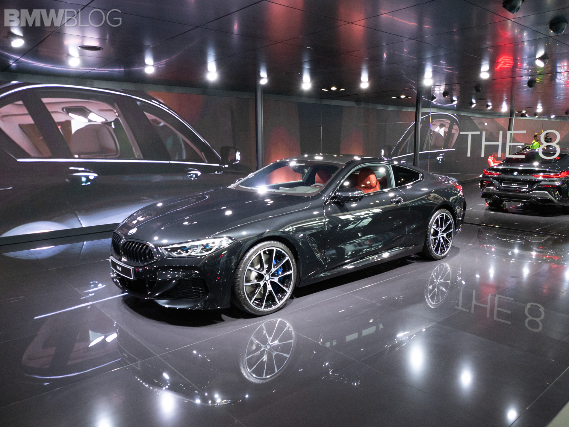 Paris 2018: BMW M850i Coupe looks stunning in black ...