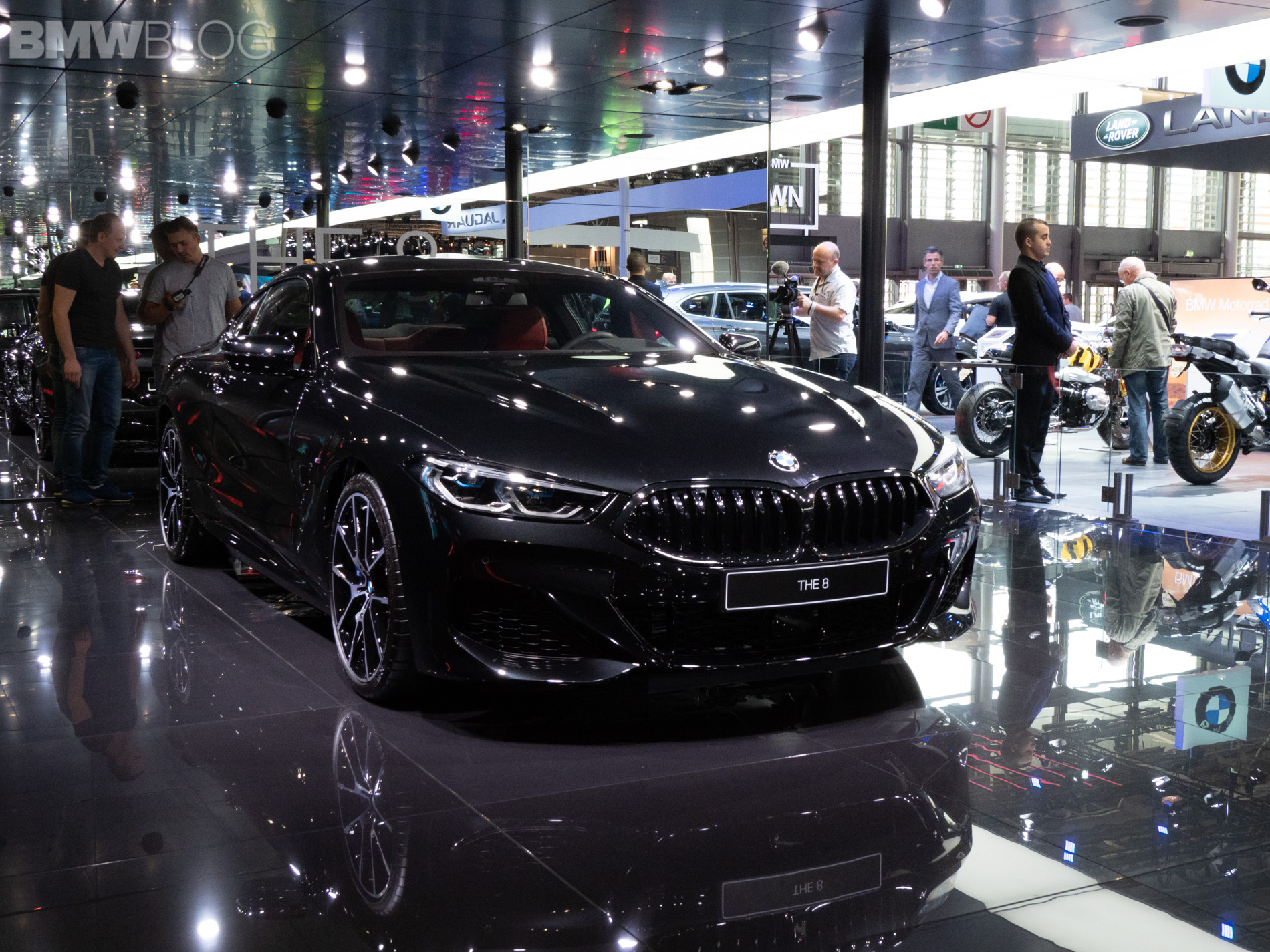 2019 BMW M850i Coupe Black 9