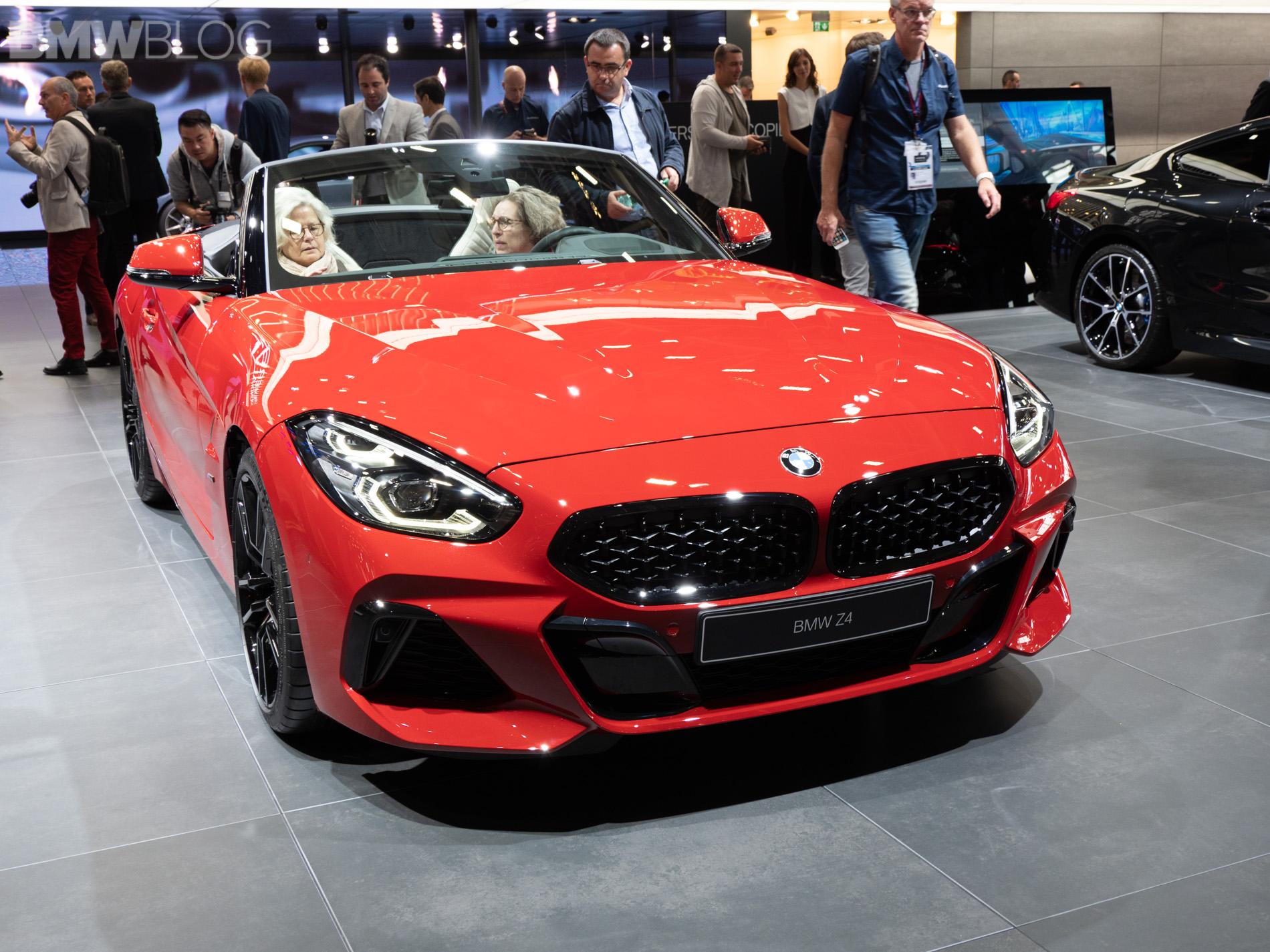 Paris 2018 New Bmw Z4 M40i In San Francisco Red