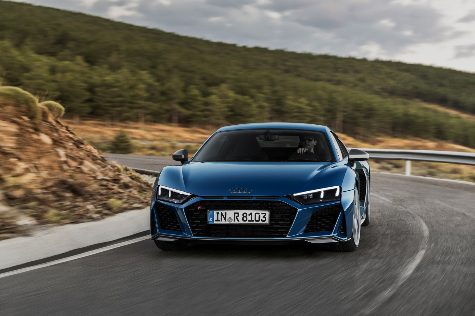 Audi R8 V10 Facelift Is Here Revives Bmw Rival Argument Mouse Diamond Chrome  Last Stock Packing The Same 52 Liter Naturally Aspirated Just With New States Of Tune Newly Facelifted Makes 570 Hp And Plus