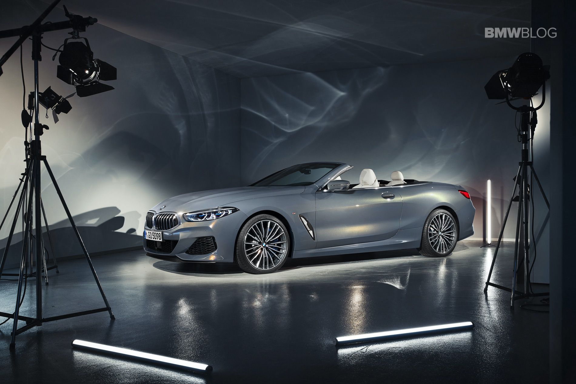 BMW 8 Series Convertible images 50