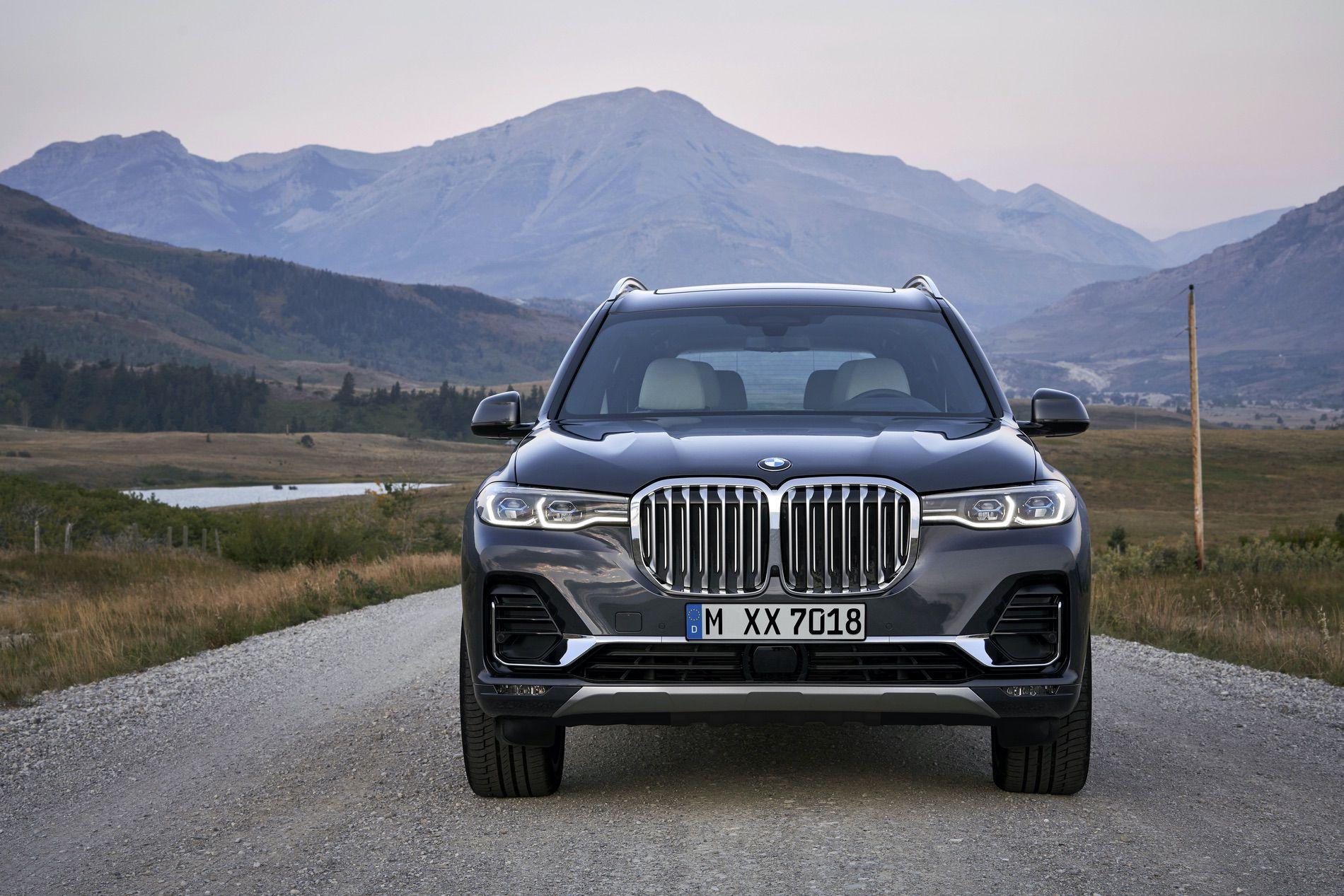 BMW X7 exterior 14