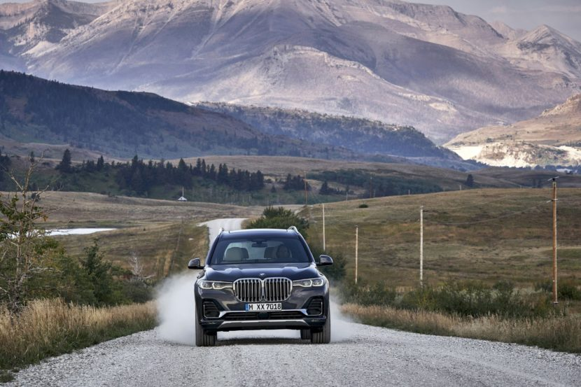 BMW X7 exterior 21 830x553