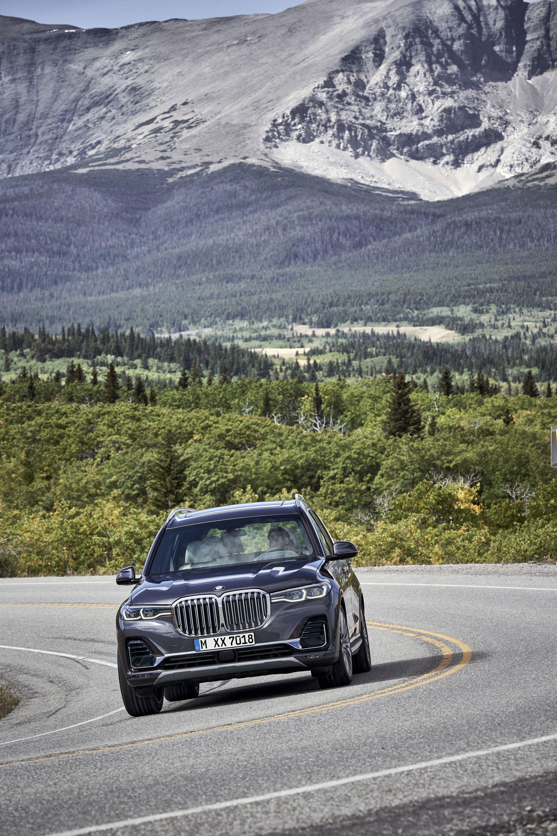 BMW X7 exterior 31