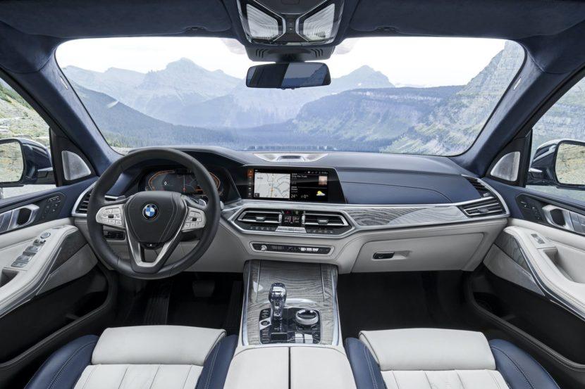 BMW X7 interior 12 830x553