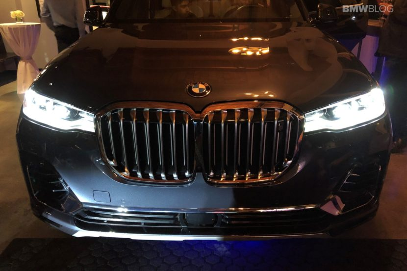 BMW X7 live photos 04 830x553