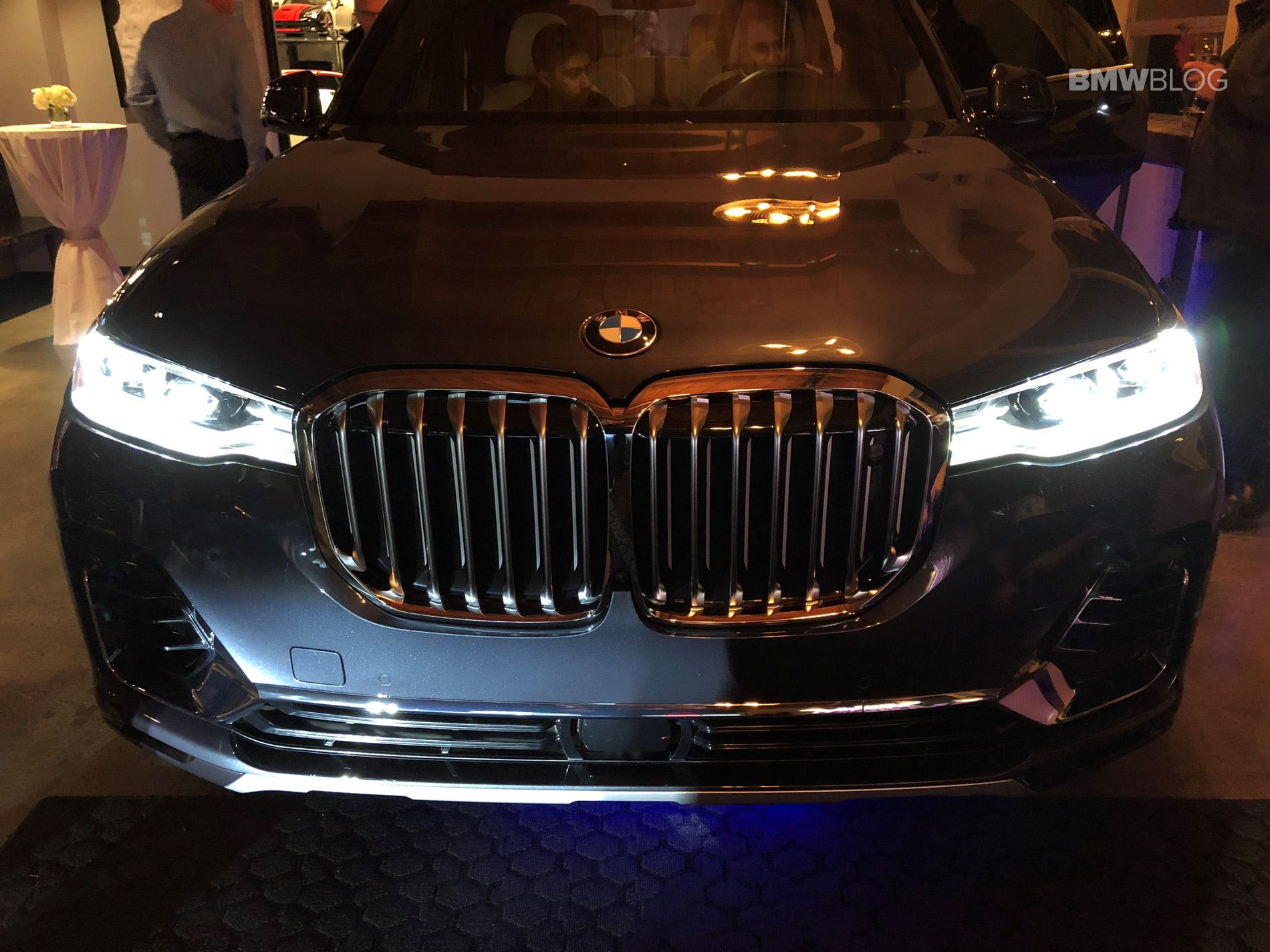 BMW X7 live photos 04