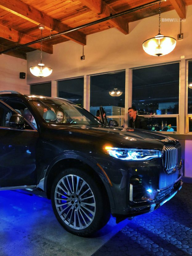 BMW X7 live photos 14 623x830