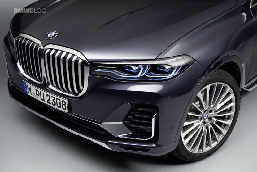 BMW X7 photos studio 13 830x554