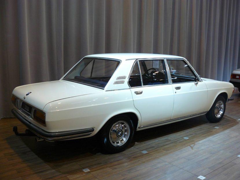 BMW 2500 1969 830x623