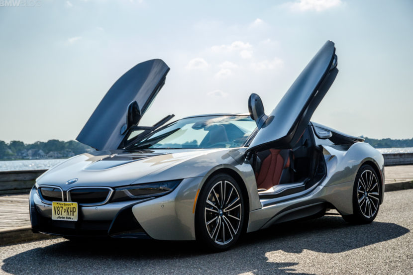 BMw i8 Roadster 1 of 35 830x553