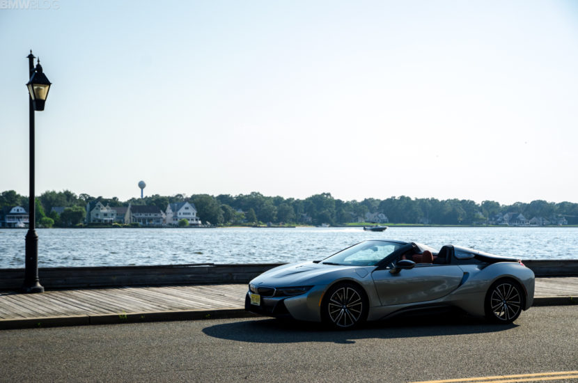 BMw i8 Roadster 32 of 35 830x550