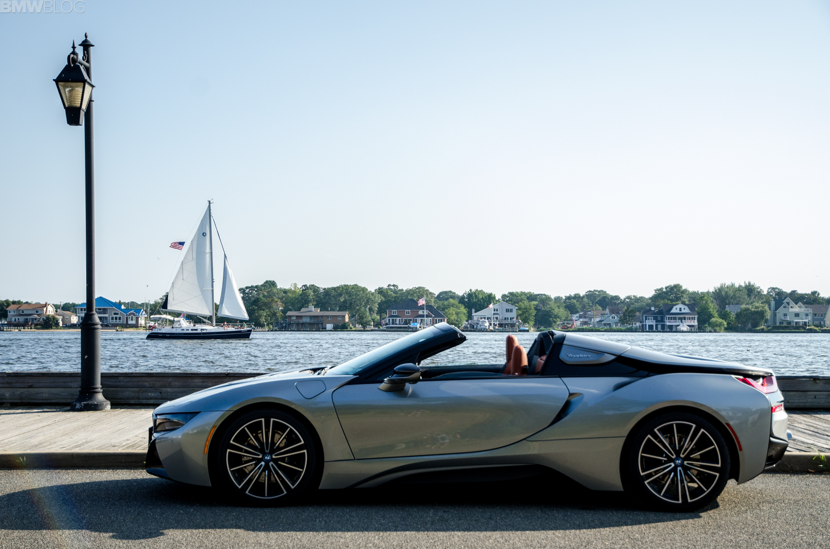 BMw i8 Roadster 34 of 35