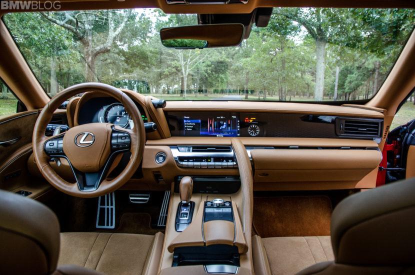 Lexus LC500 36 830x550