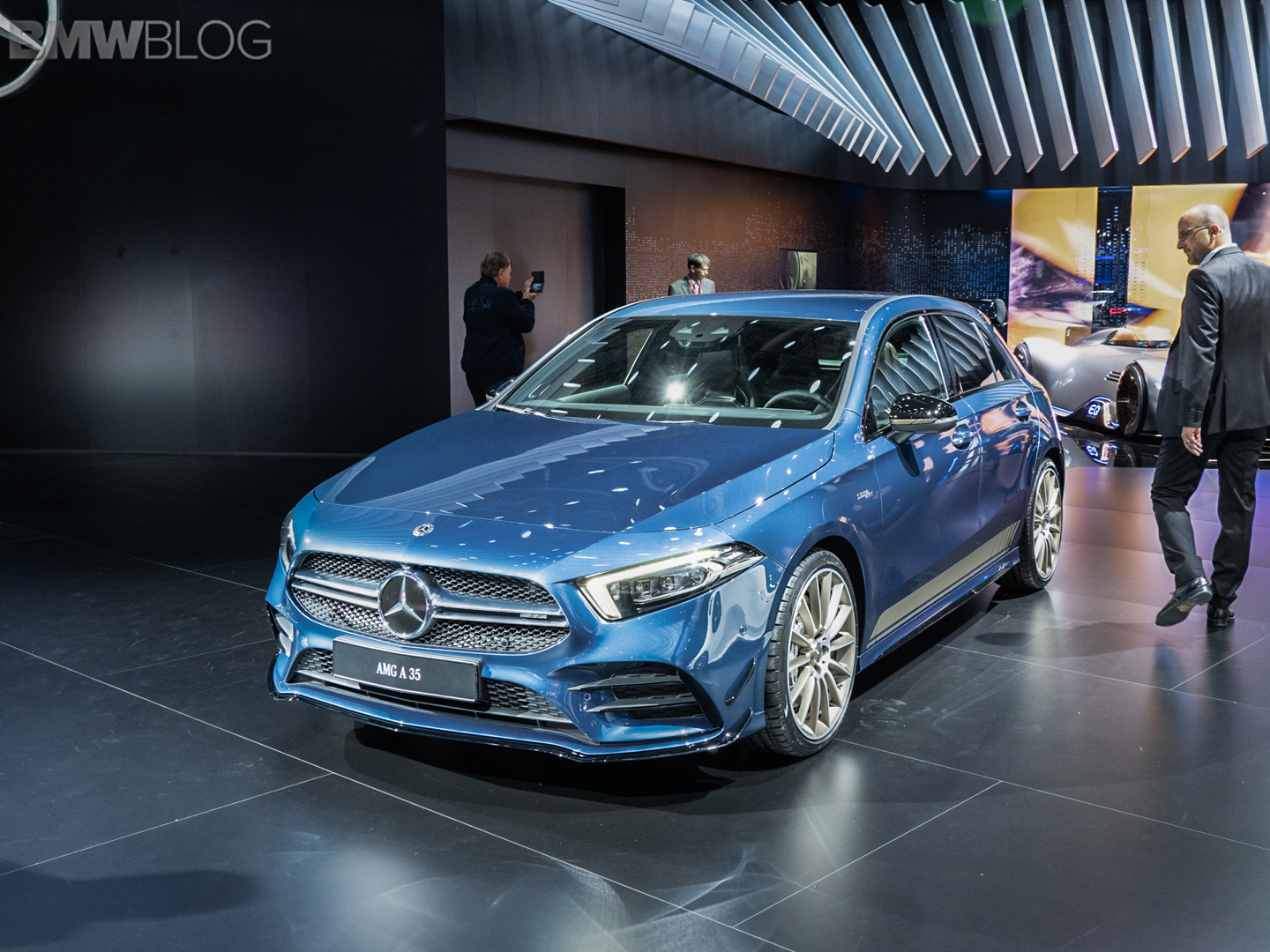 paris motor show mercedes amg a35 arrives to take on bmw m140i. Black Bedroom Furniture Sets. Home Design Ideas