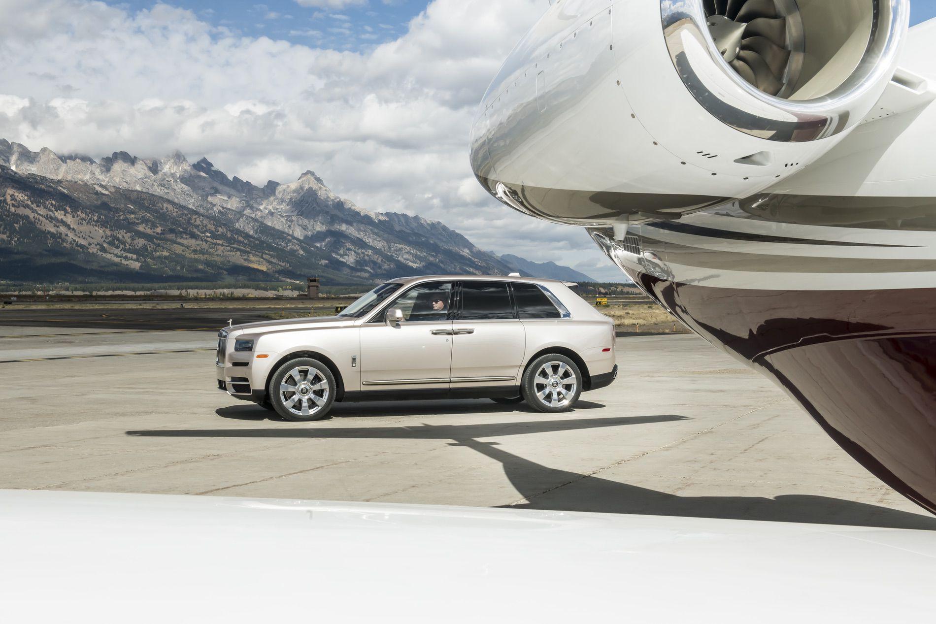Rolls Royce Cullinan photos 37