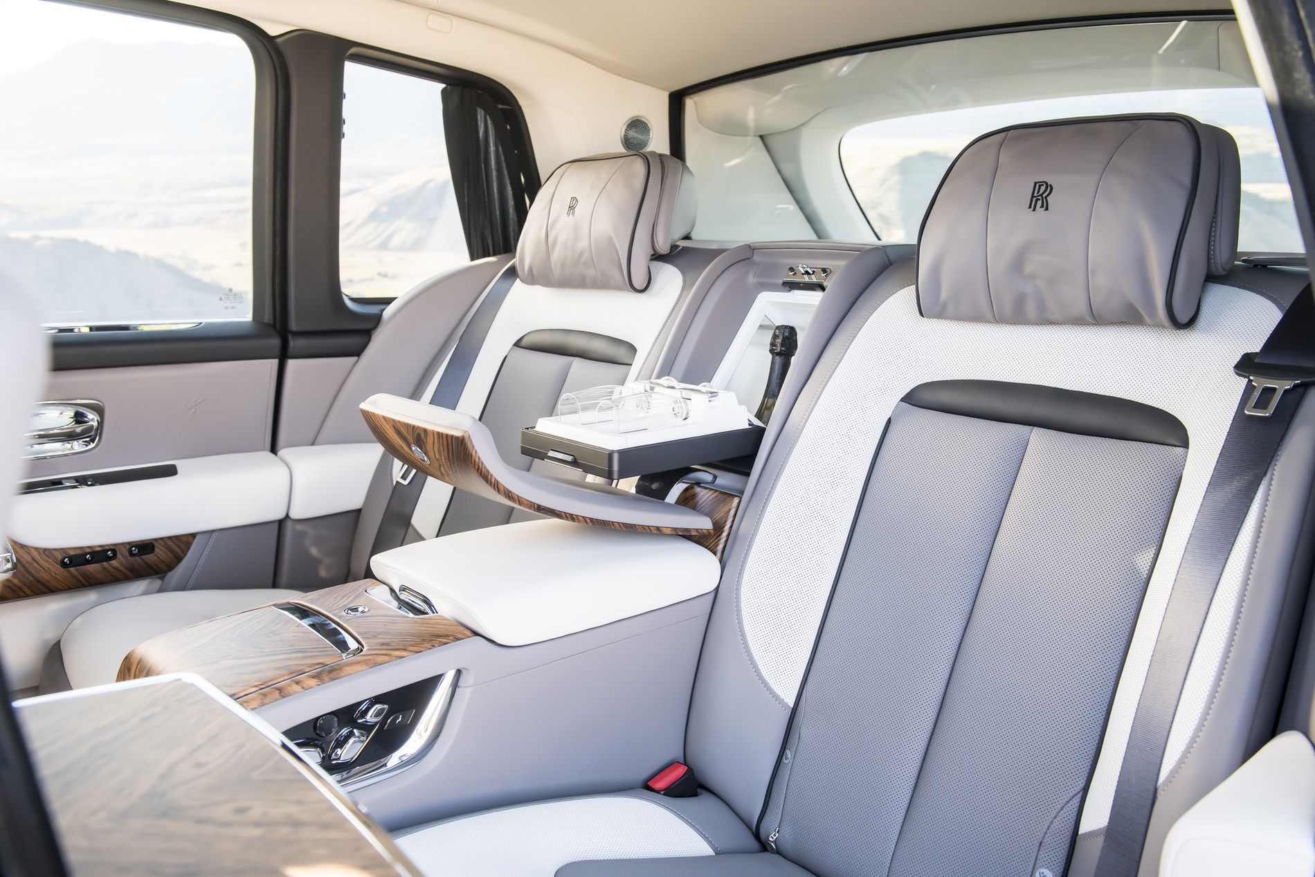 Beautiful Gallery Of The Rolls Royce Cullinan I New Cars