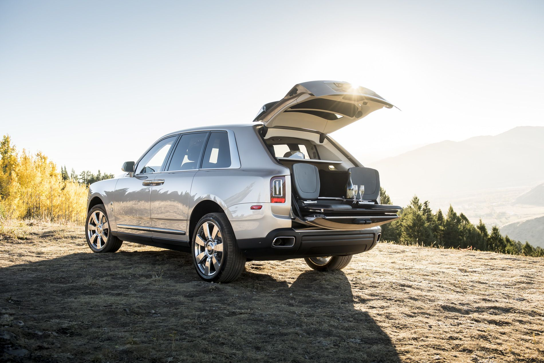 First Rolls-Royce Cullinan SUVs Leave Goodwood, Head To