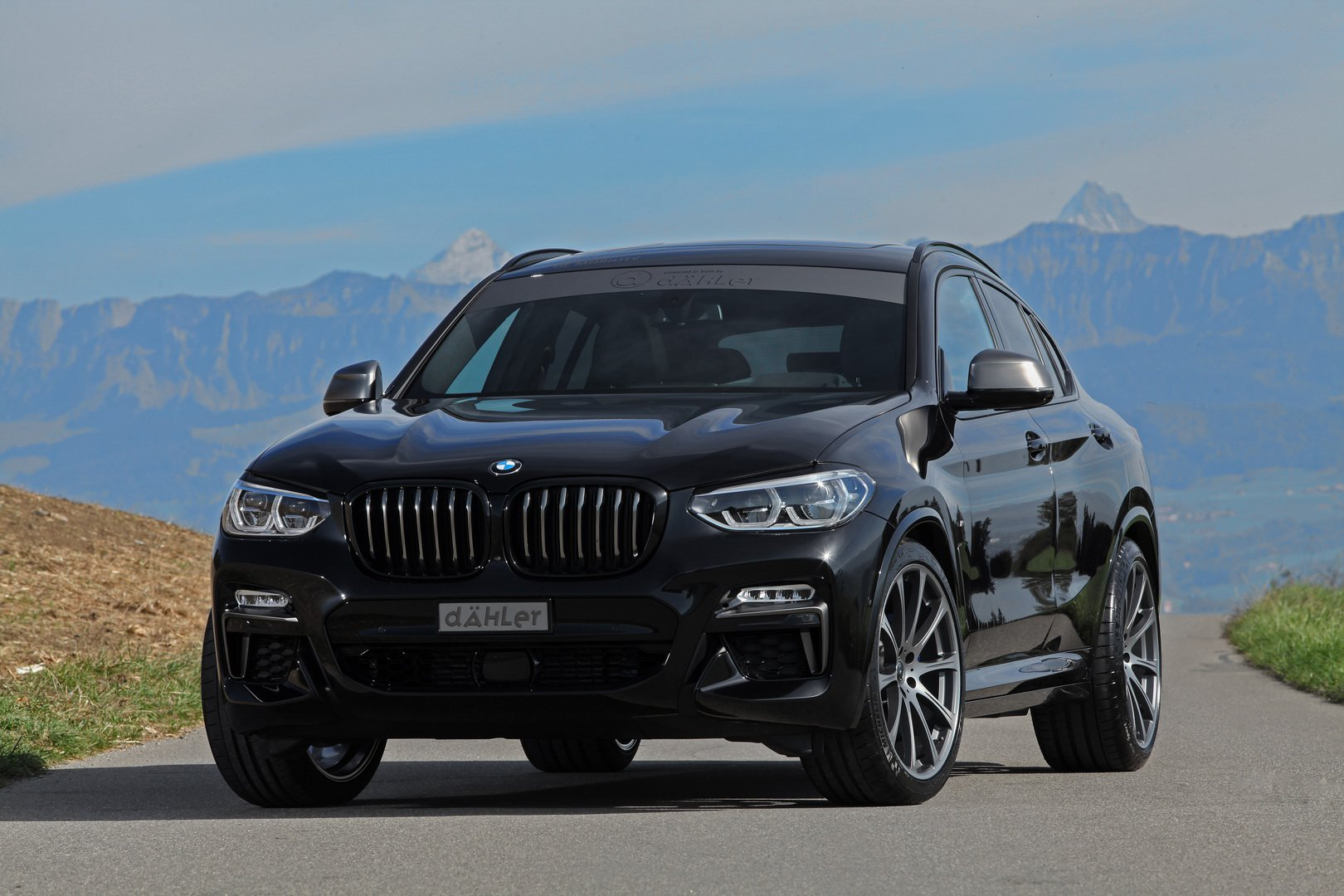 Bmw X4 M40i Gets 420 Hp And Dark Theme From Dahler