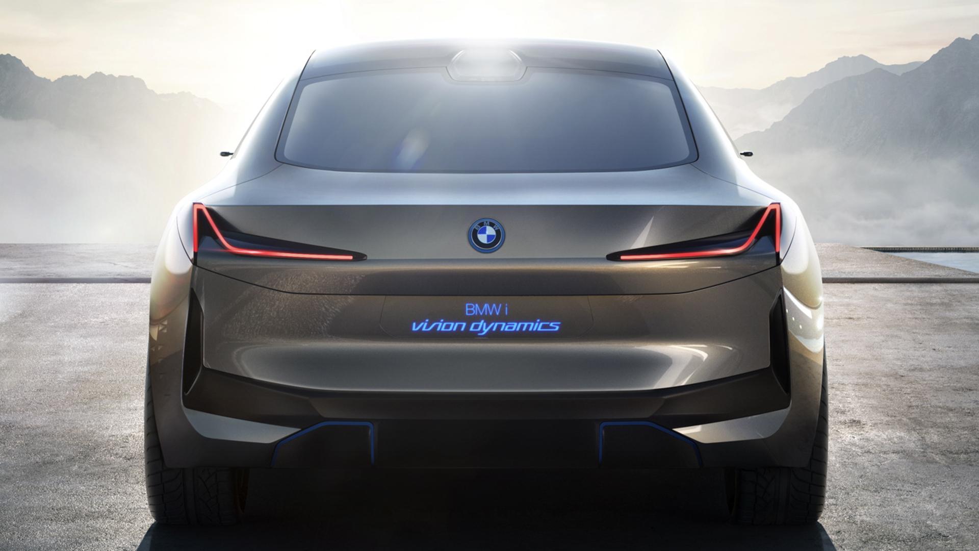 Audi e tron GT vs BMW i Vision Dynamics 12