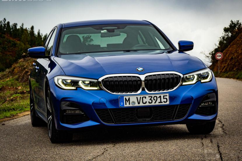 BMW 330i Portimao Blue images 1 830x553