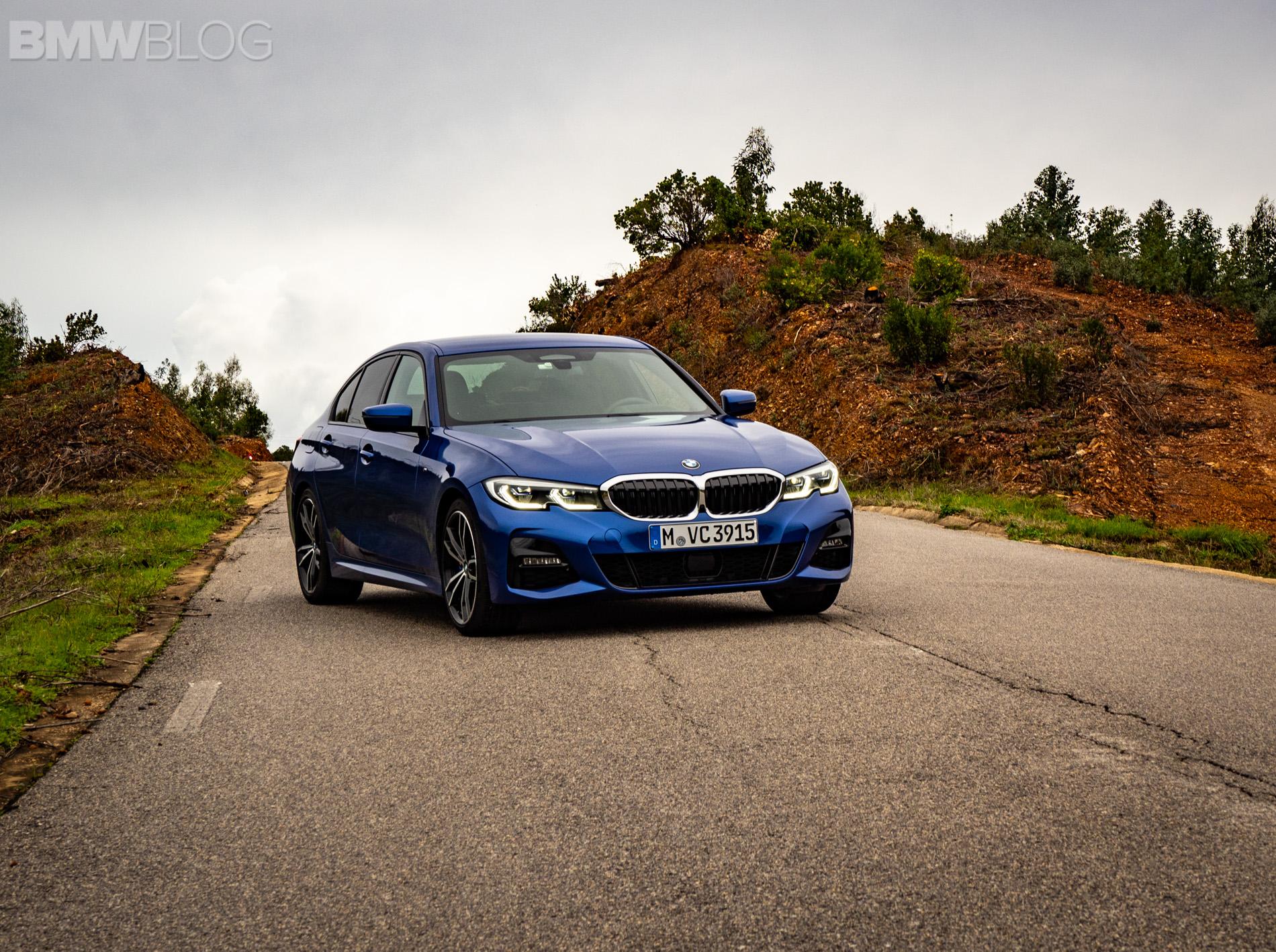 BMW 330i Portimao Blue images 2