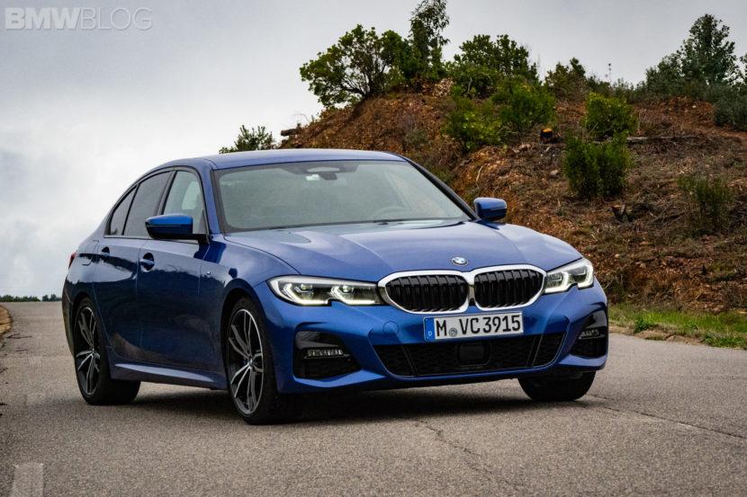 BMW 330i Portimao Blue images 3 830x553