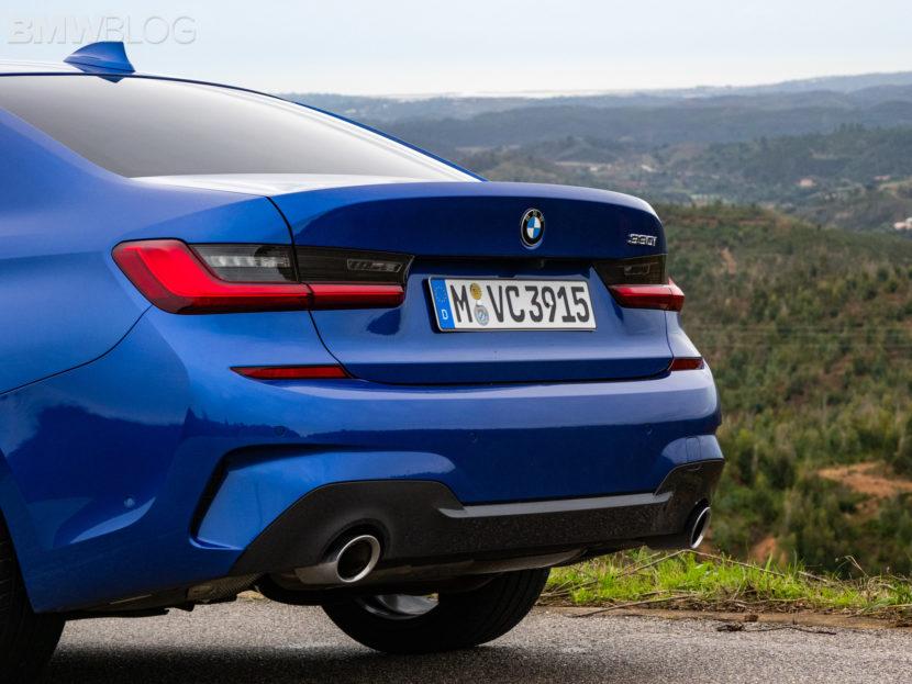 BMW 330i Portimao Blue images 4 830x623