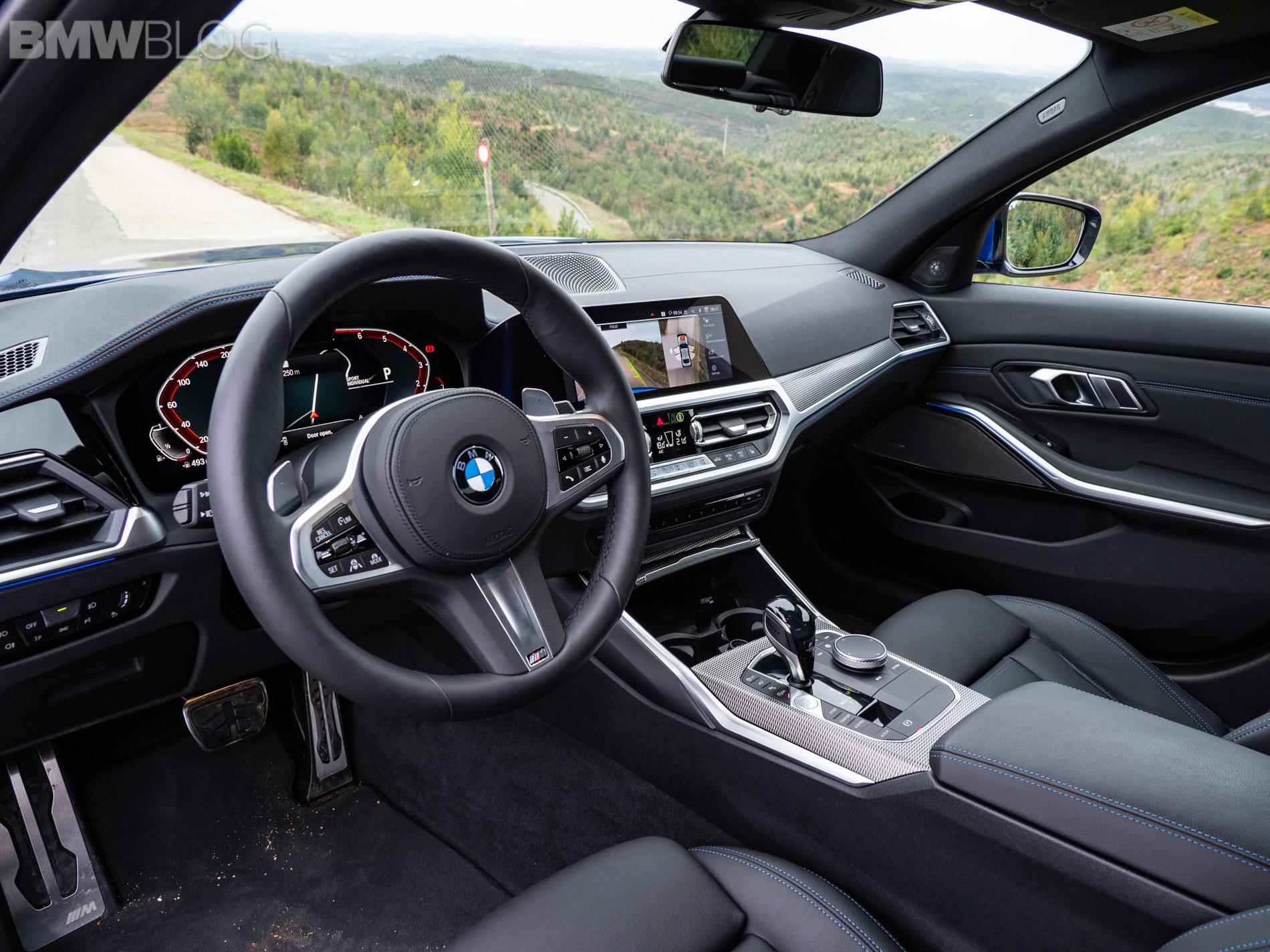 BMW 330i Portimao Blue images 6