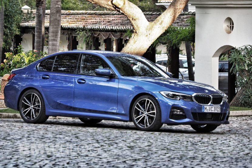 BMW 330i real life photos 19 830x553