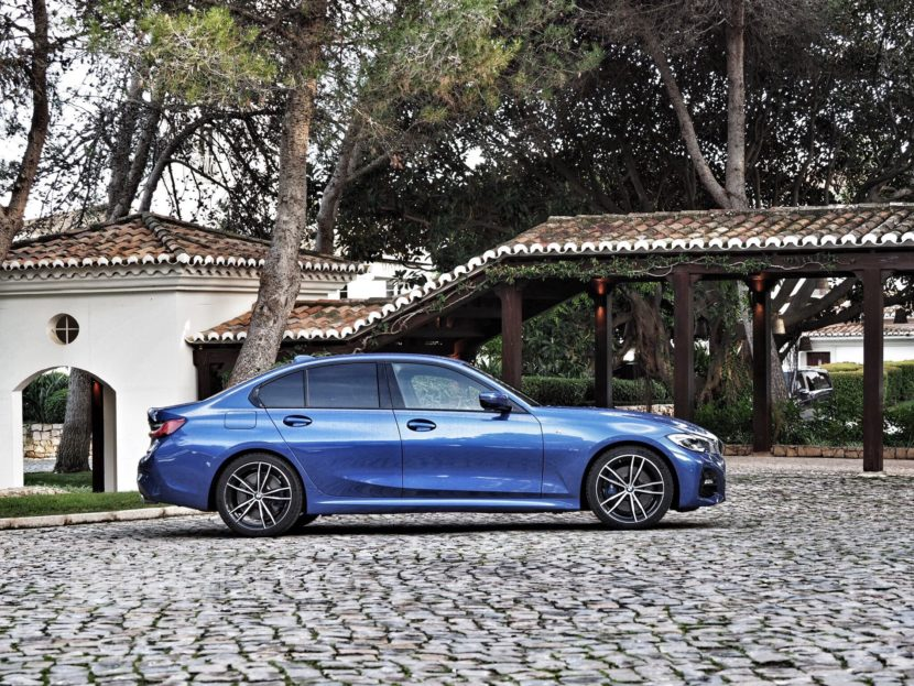 BMW 330i real life photos 20 830x623