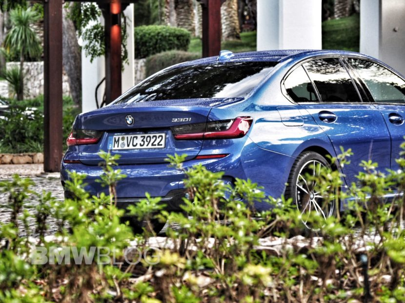 BMW 330i real life photos 22 830x623