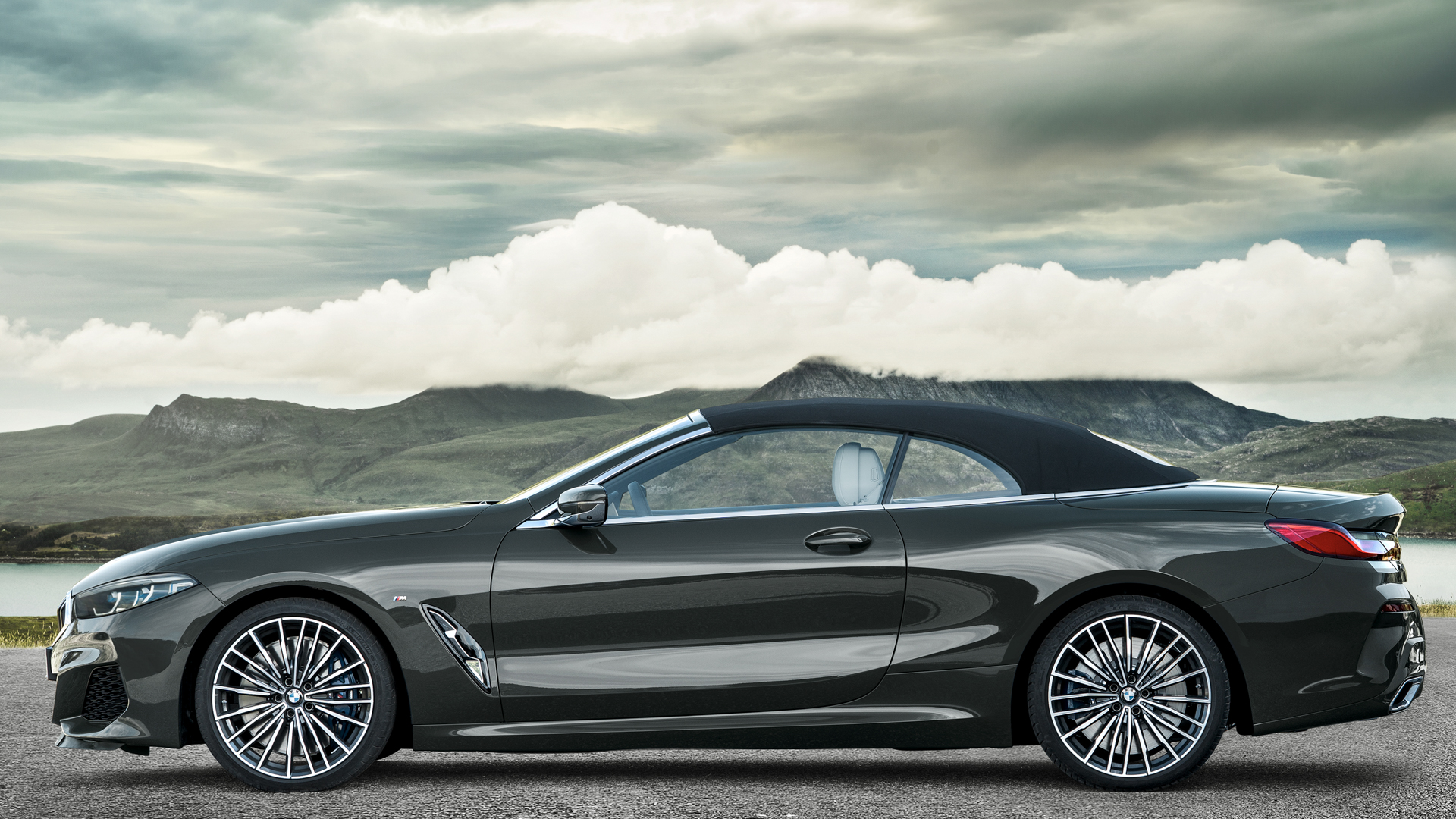 BMW 8 Series Convertible 5