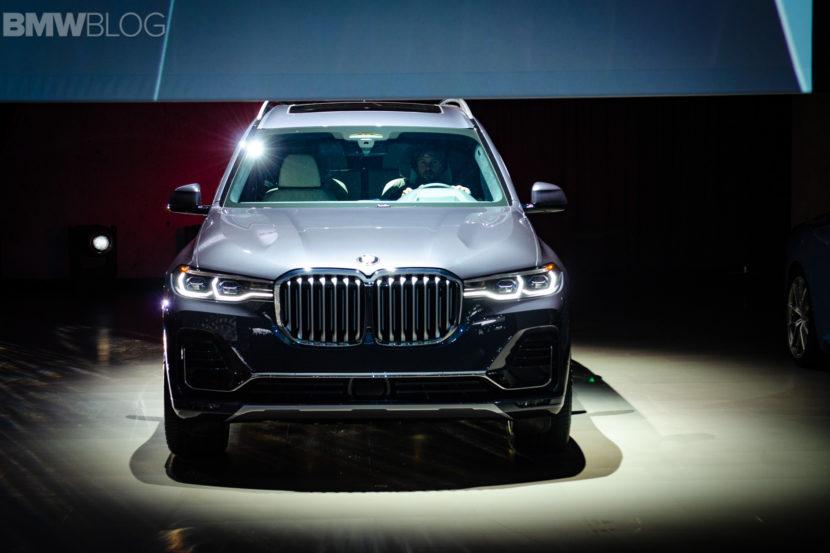 BMW X7 LA Auto Show 1 830x553