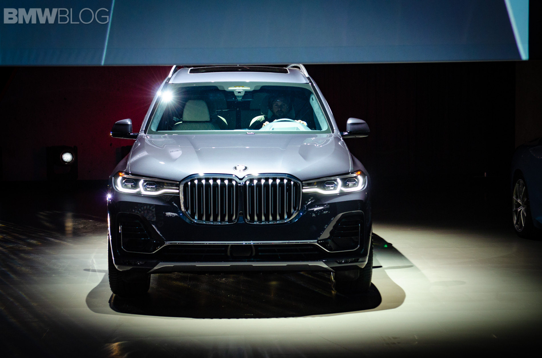 2018 la auto show bmw x7 debuts in its biggest market. Black Bedroom Furniture Sets. Home Design Ideas