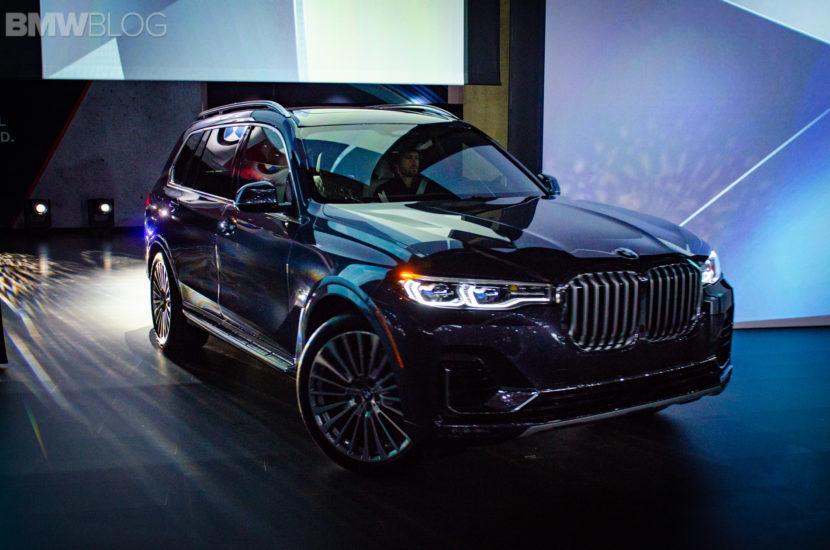 BMW X7 LA Auto Show 5 830x550
