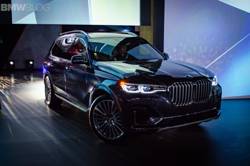 BMW X7 LA Auto Show 5 830x553