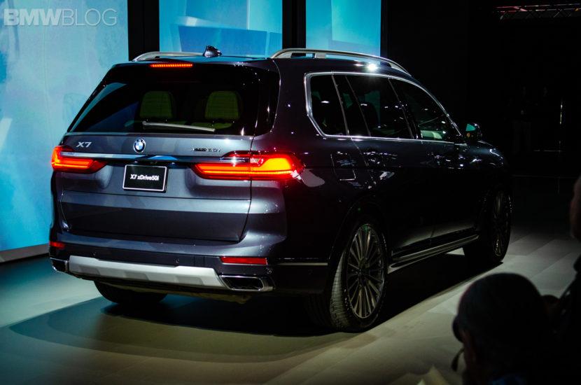 BMW X7 LA Auto Show 6 830x550