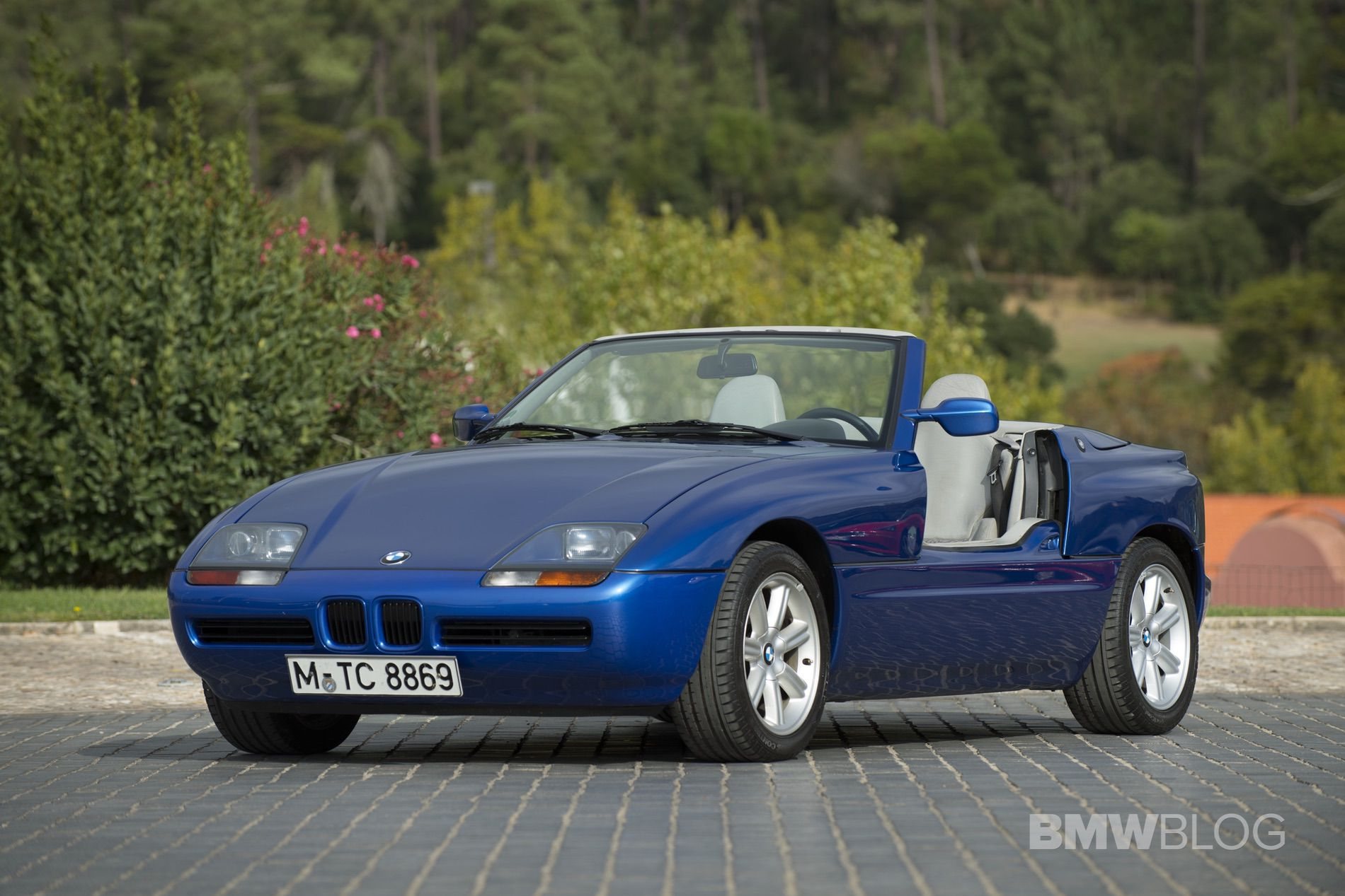 Bmw Z1 The Origin Of The Modern Day Bmw Roadster Family