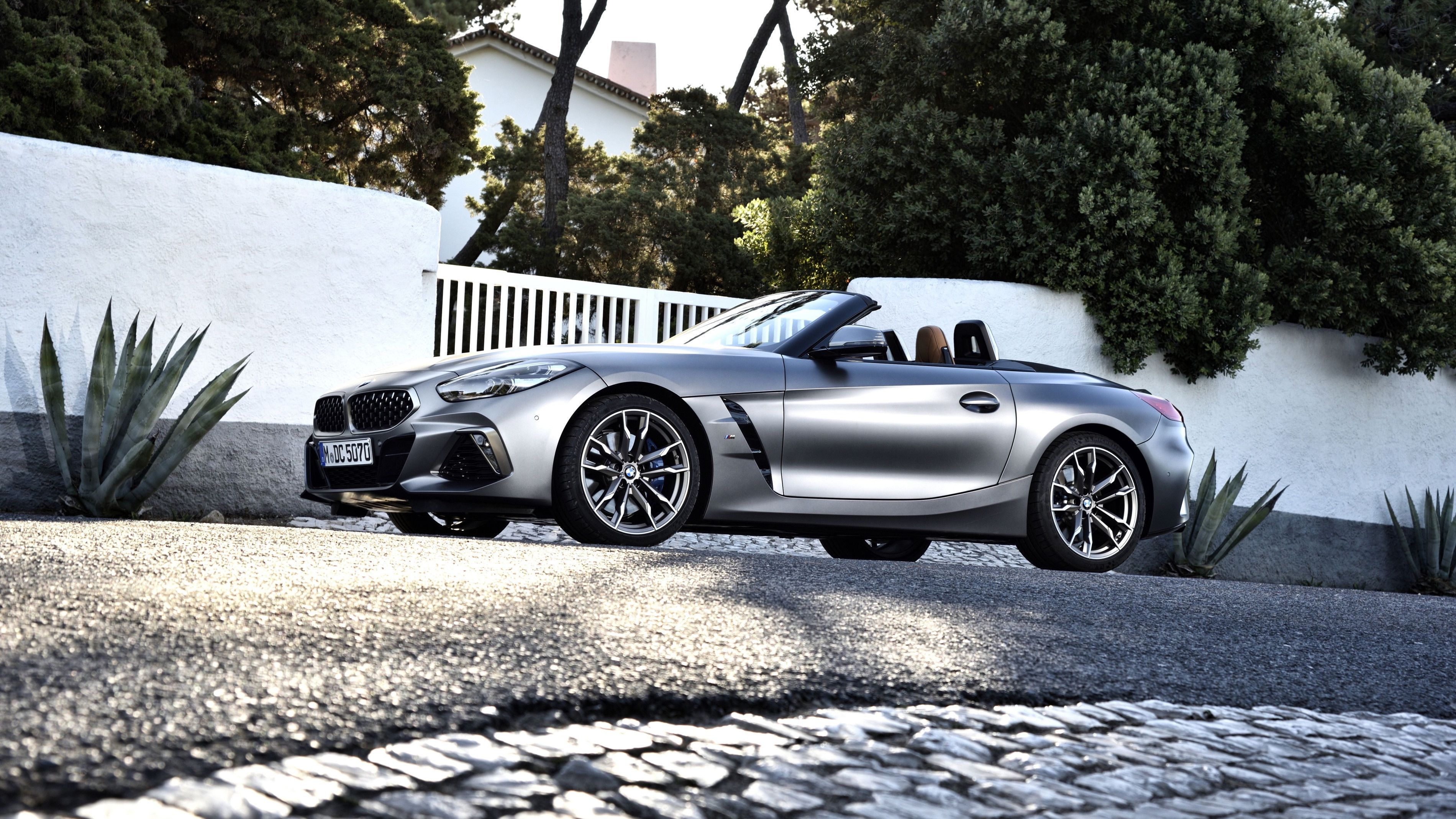 Video Bmw Z4 Gets First Promo Clip In The Uk